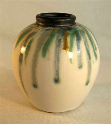 Maxwell Cowlin white vase with trailed pattern